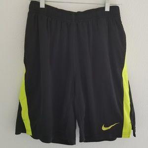 Nike Men's Basketball Shorts Size Medium